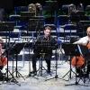 Die Vier EvangCellisten & Rhett Bender beim Festival-Abschlusskonzert (Foto: Archiv)