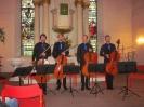 Die Vier EvangCellisten nach dem Konzert innerhalb der