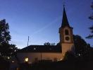 Die Evangelische Kirche in Hallerstein (Stadteil von Schwarzenbach an der Saale) kurz vor dem Konzert der Vier EvangCellisten 2016. (Foto: Archiv)